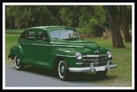 Vieille voiture verte