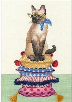 Mademoiselle chatte