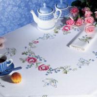 nappes et chemins de tables en points variés