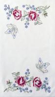 Napperons et nappes roses et papillons