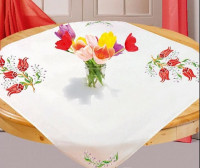 Surnappe et chemin de table tulipes